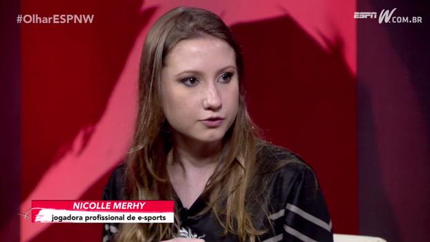 Nicolle Merhy, profissional de e-sports, diz que tenta não transferir culpa para os outros