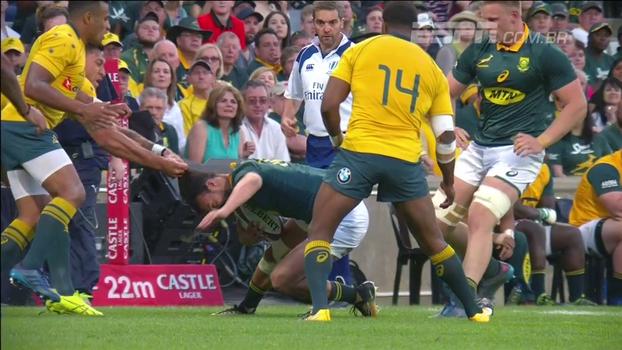 Puxão de cabelo inicia confusão em clássico do rugby