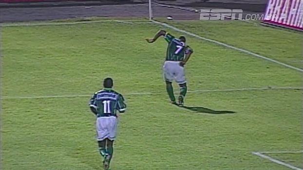 Golaço de Viola e defesas de Marcelo  há 20 anos a52397b16ce45