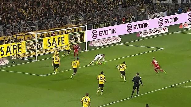 Tempo real: Suttner cruza para o meio da área, Kittel pega a sobra, mas o Dortmund se defende bem