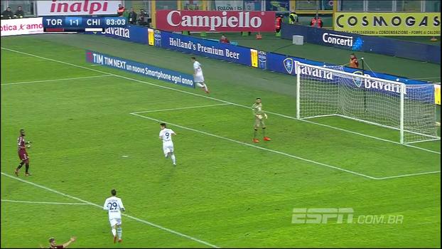 Rômulo Mendonça corneta atacante do Chievo ao vivo e quase leva 'tapa na cara' com gol impedido do jogador segundos depois