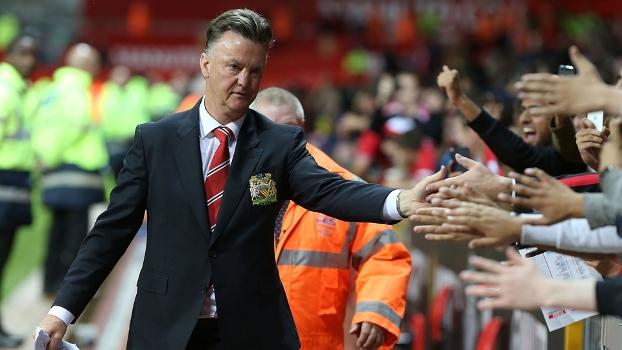 Técnico ou milagreiro? Van Gaal tem apenas rascunho de time no United, mas já é atração; veja análise