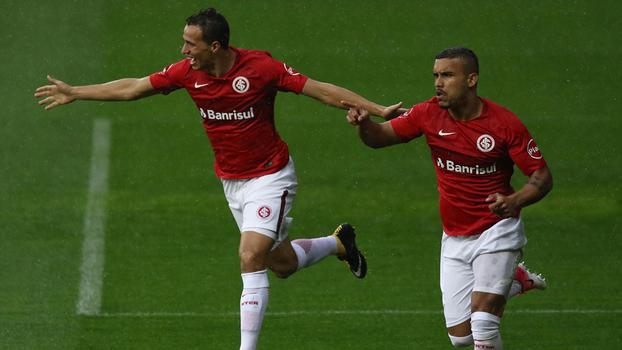 Assista aos gols da vitória do Internacional sobre o Figueirense por 3 a 0