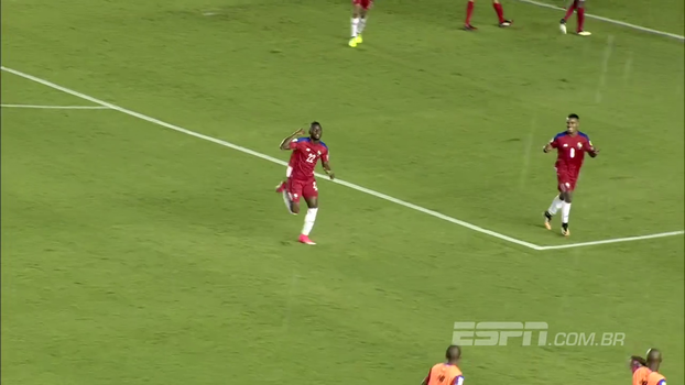 Com chapéu e meia-lua em pintura e gol contra patético, Panamá atropela Trinidad e ultrapassa os EUA