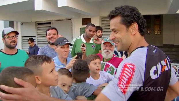 Atlético-MG treina nas instalações do Fluminense, e Fred causa comoção entre torcedores tricolores
