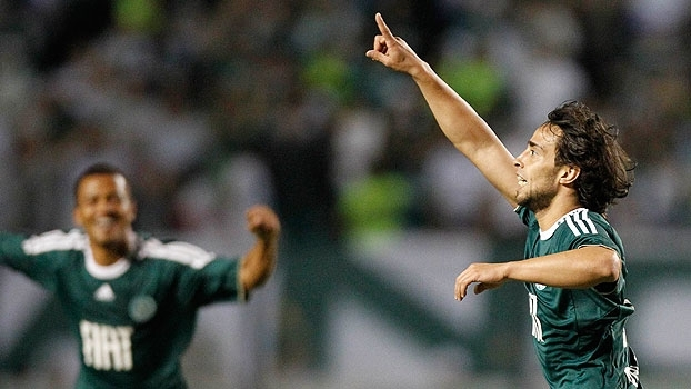 Golaço de Valdívia, susto e Márcio Araújo 'salvador': Palmeiras derrotou o Mirassol em 2011
