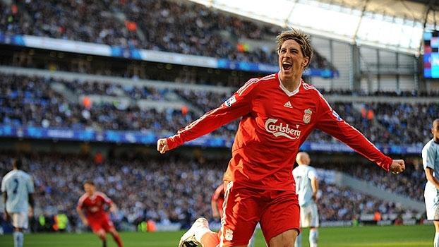 Ao lado de Gerrard, Torres resolveu e garantiu a virada do Liverpool sobre o City em 2008