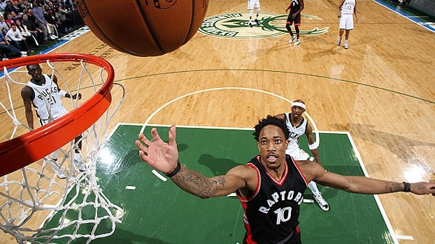 NBA: Lances de Milwaukee Bucks 76 x 86 Toronto Raptors