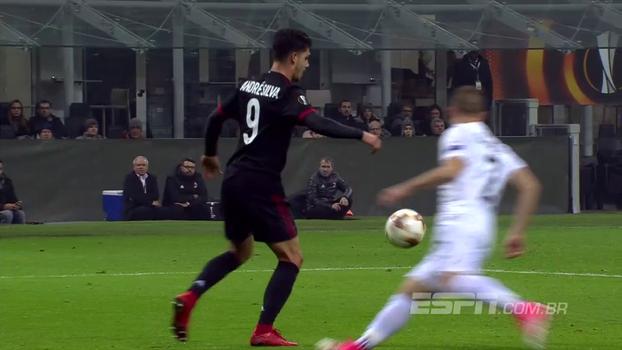 Tempo real: GOL DO MILAN! André Silva domina no peito, gira e marca seu segundo no jogo