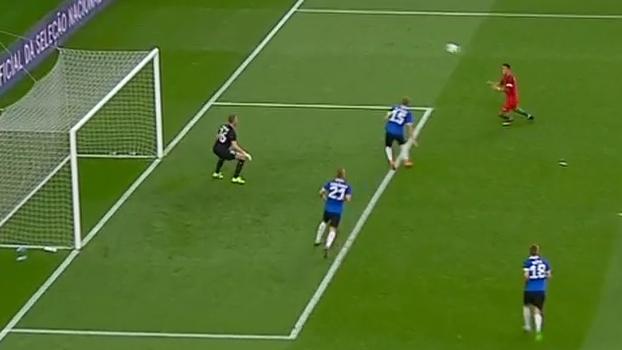 6e39eeb449394 Quaresma faz cruzamento absurdo de trivela e Cristiano Ronaldo