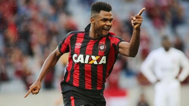 Brasileiro: Gols de Atlético-PR 4 x 1 Vitória