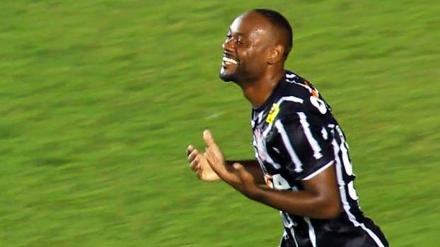 0135b77bfa Vagner Love calou críticos para virar um dos artilheiros do Corinthians no  Brasileiro