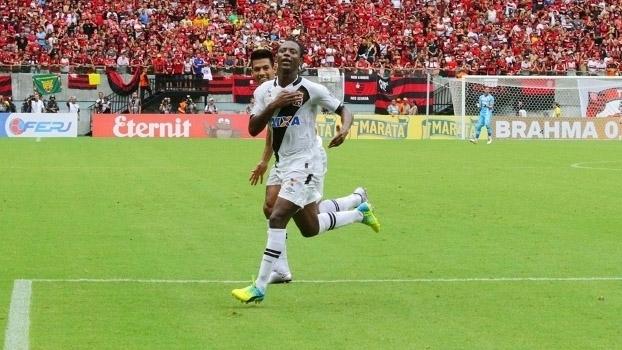 Assista aos gols da vitória do Vasco sobre o Flamengo por 2 a 0
