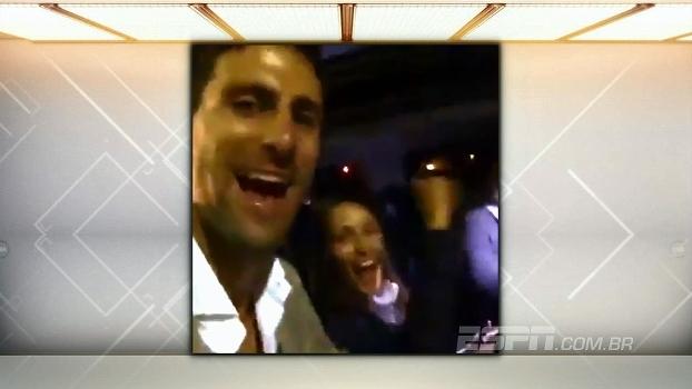 Djokovic comemora título de Roland Garros pelas ruas de Paris e canta 'Volaré'