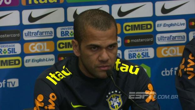 Dani Alves diz que Jesus não sente pressão na seleção: 'Quando falei que é o novo Ronaldo, não estava brincando'