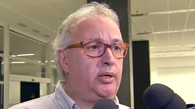 'Pedi que os torcedores fossem lá conversar', diz presidente do Corinthians