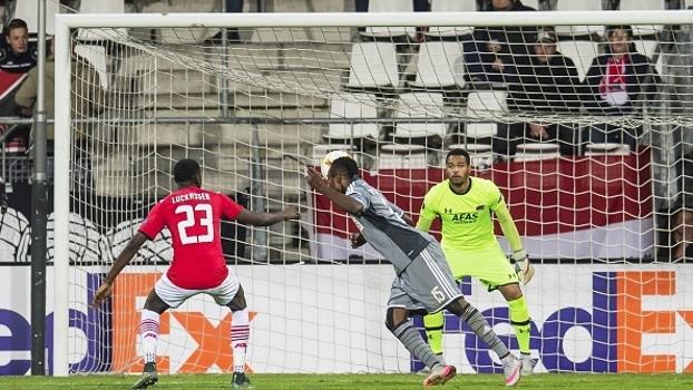 Partizan bate AZ Alkmaar de virada e ultrapassa Augsburg