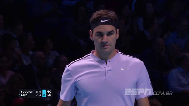 Federer perde primeiro set para Cilic, mas vira jogo e encerra fase de grupos com 100% no ATP Finals