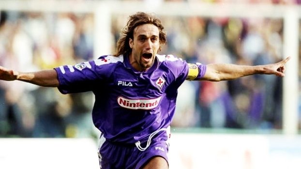 Com hat-trick de Batistuta, Fiorentina superou Milan em pleno San Siro em 98; relembre