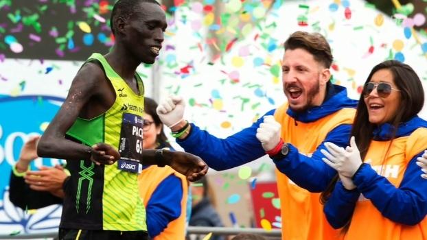Queniano Jonah Kipkemoi é homenageado na abertura da 2ª edição do 'SportsCenter'