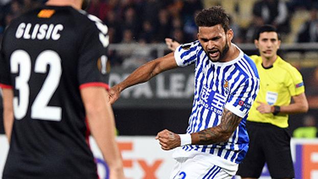 Willian José faz feito inédito, marca quatro gols em jogo da Europa League e Real Sociedad massacra