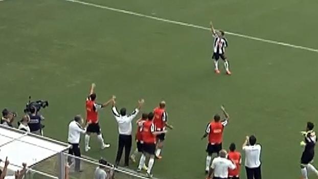 Com gols de Bernard, Atlético fez 3 a 0 no America e foi campeão mineiro invicto em 2012
