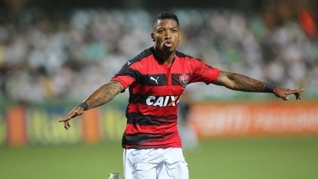 Brasileiro: Gol de Coritiba 0 x 1 Vitória