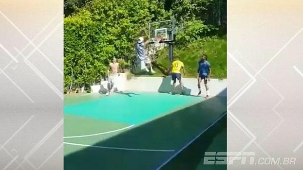 Hummels e Aubameyang fazem acrobacia de basquete em rede social