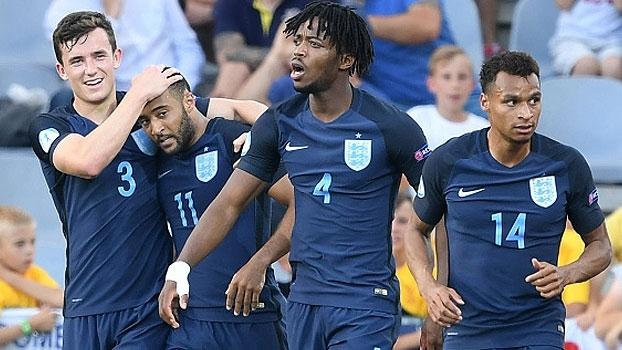 Revelação do Southampton resolve e Inglaterra vira sobre a Eslováquia na Euro Sub-21