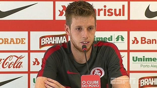 Aylon lamenta confusão na torcida do Inter: 'A gente não consegue se concentrar'