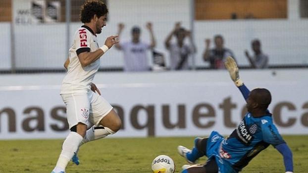 Última vitória do Corinthians no Moisés teve Tite, confusão nas arquibancadas e gol de Pato