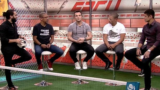 Falcão explica porque escolheu camisa 12 e conta: 'Minha escola foi jogar bola na rua'