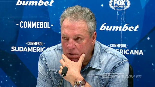 """Abel lamenta eliminação: 'Pelo meu lado tricolor, estou """"p"""" da vida. Pelo meu lado treinador, estou orgulhoso'"""