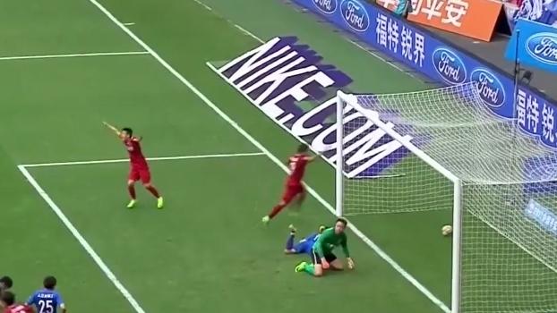 Gol contra no susto de chinês garante vitória de time de Oscar, Hulk e Elkeson