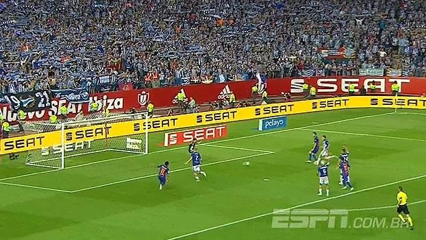 Tempo real: Depois de boa troca de passes, Busquets desperdiça chance do quarto gol