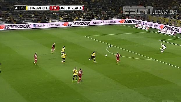 Tempo real: QUASE O EMPATE! A defesa do Borussia bateu cabeça e Leckie perdeu grande chance
