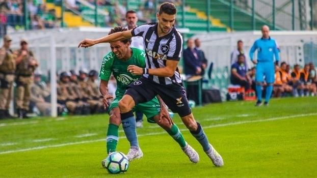 Brasileiro: Gols de Chapecoense 0 x 2 Botafogo