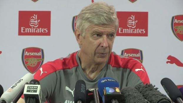 Perto de anunciar reforços, Arsene Wenger admite: 'Mercado estranho e mais difícil'