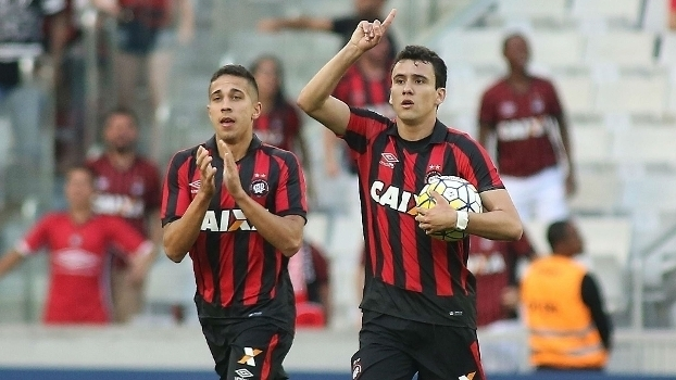Brasileiro: Gols de Atlético-PR 2 x 1 Internacional