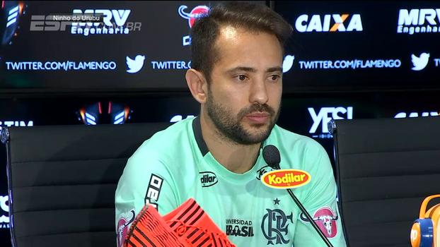 Everton Ribeiro fala em errar o menos possível para reverter quadro diante do Independiente