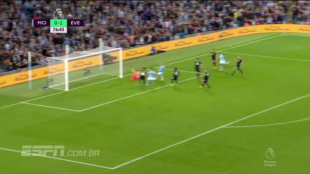 Tempo real: Salva, Pickford! Danilo bate cruzado e o goleiro do Everton faz ótima defesa