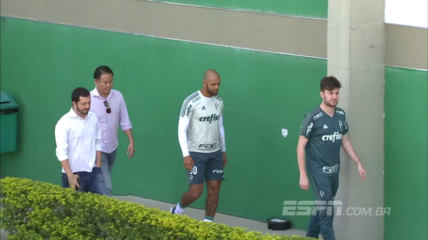 Em primeira aparição depois de ser reintegrado ao elenco do Palmeiras, Felipe Melo voltou a ser... Felipe Melo