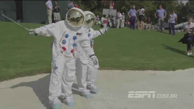 Organização do PGA Championship coloca atletas vestidos de astronautas para celebrar início do torneio