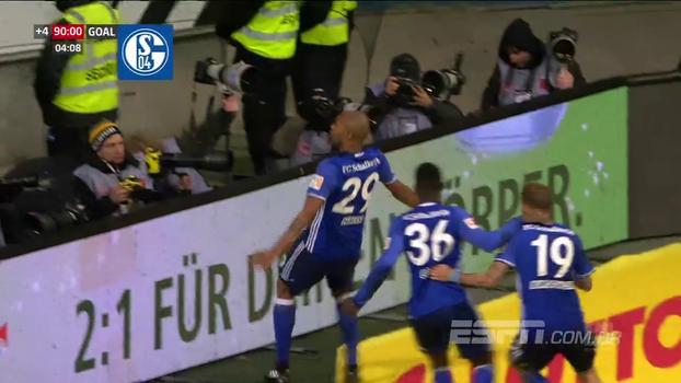 Naldo marca aos 49 do 2º tempo e garante empate do vice-líder Schalke contra o Frankfurt