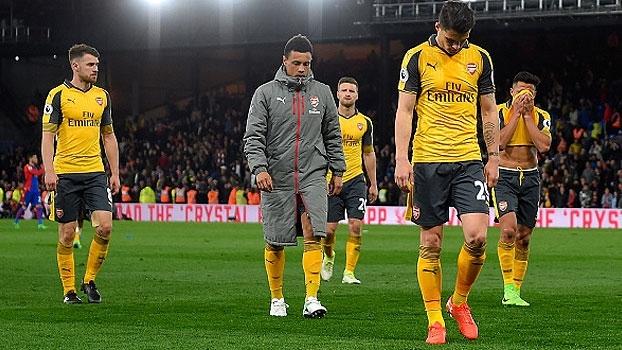 Desapontado, cabisbaixo e desanimado: uma noite para ser esquecida no Arsenal