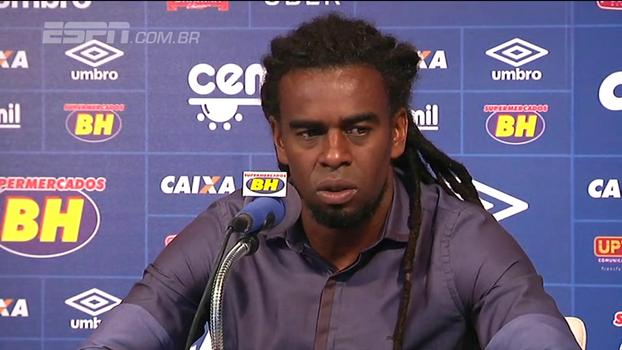 Palmeiras negocia com Tinga, braço direito de Mano Menezes no Cruzeiro