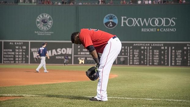 Red Sox vacilam, são derrotados pelo pior time da Liga Americana e perdem a liderança do Leste