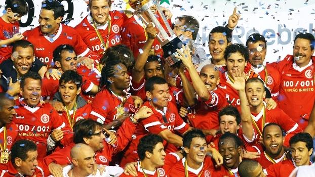 Em 2009, Internacional detonou o Caxias e foi bicampeão gaúcho; relembre
