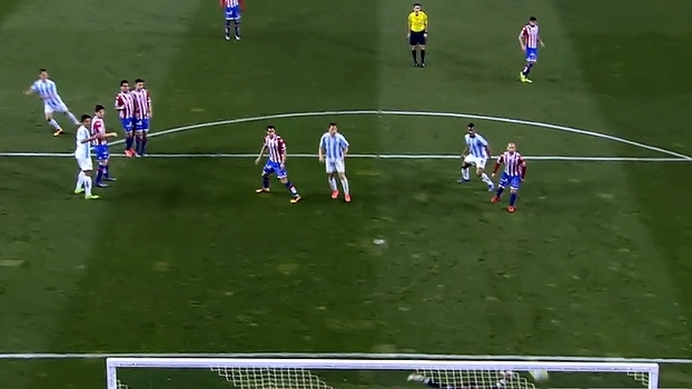 Com golaço, Málaga vence e afunda ainda mais o Sporting Gijón