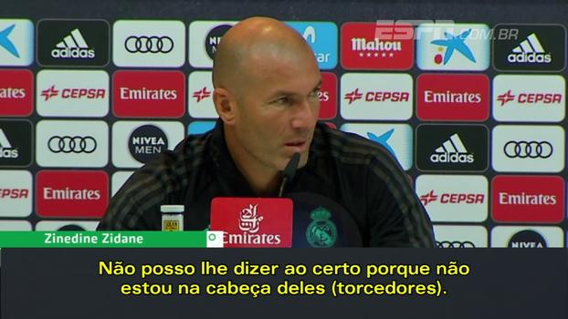 Zidane fala sobre críticas da torcida a Bale: 'Esse estádio já vaiou todo mundo em algum momento'